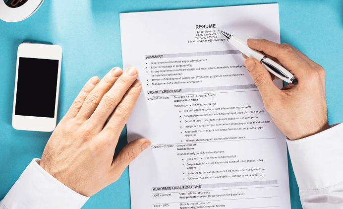 How to Write a Resume Title or Headline with Examples